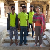 We've met people during the trip that asked to take our photo or just wanted to shake our hand but it happened quite a few times during our time in Hampi. It gives us a sense of what it might be like to be a celebrity.