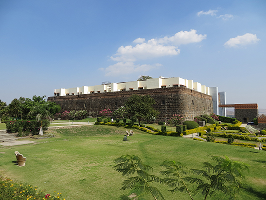 A picture of the whole fort.
